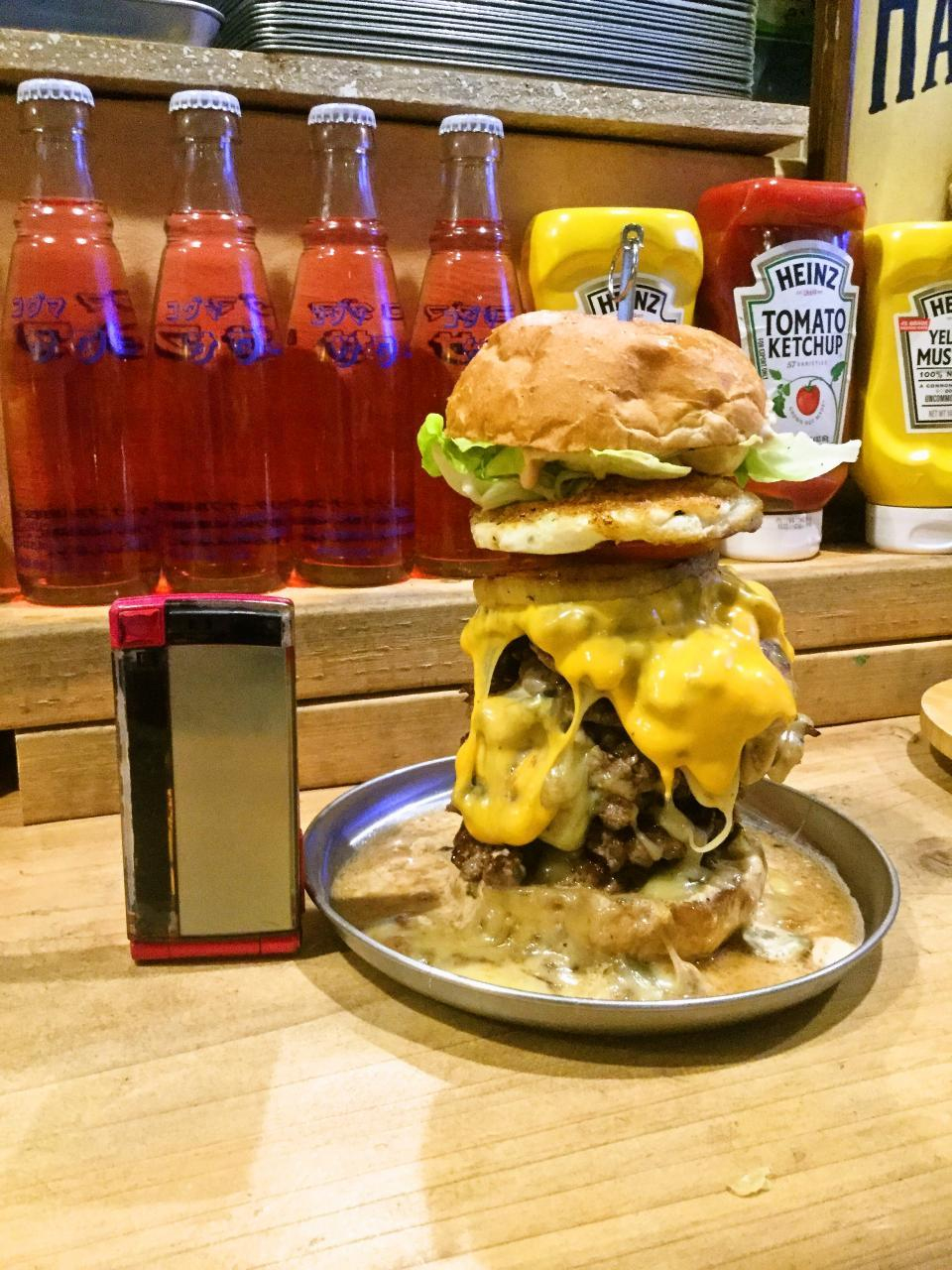 Jami Jami Burger 森野店(スーパーサイズバーガー)