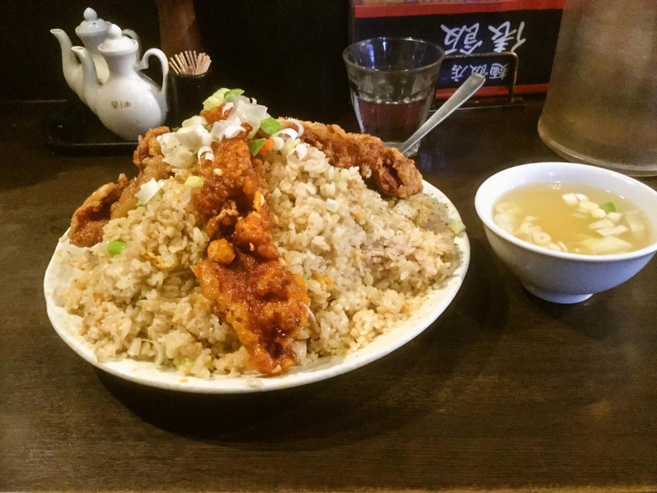 俵飯(鶏唐ガーリック炒飯)