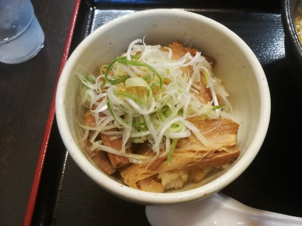 menyajin-hakusanshi-018.jpg