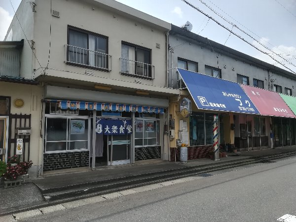 yamadasyokudo-fukui-002.jpg