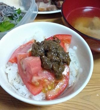 ふきのとう味噌のっけトマト丼