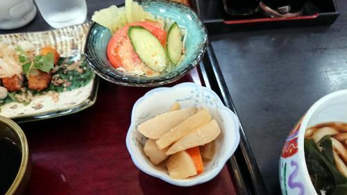 小鉢にサラダ