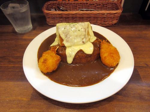 皮付き豚バラブロックカリー+カニクリームコロッケ+チーズ