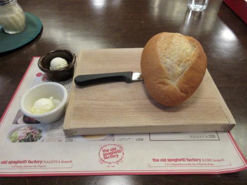 パン バターはプレーンとガーリック