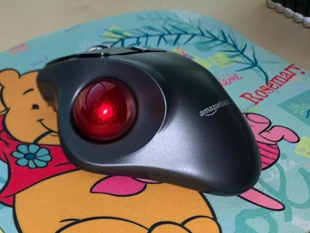 AmazonBasics_Wireless_Trackball_Mouse_10.jpg