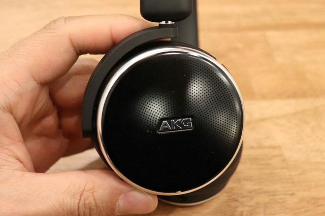 Granbelm_Headphones_06.jpg