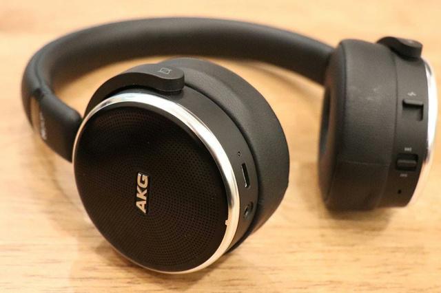 Granbelm_Headphones_07.jpg