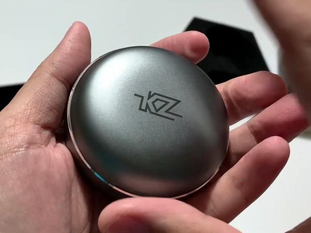KZ_T1_TWS_02.jpg