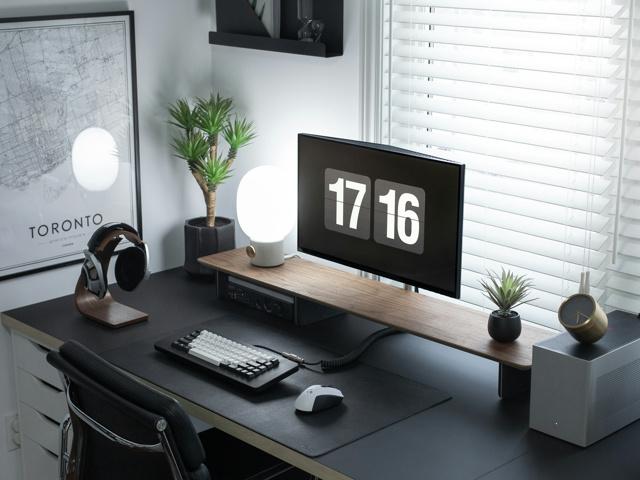 PC_Desk_159_03.jpg