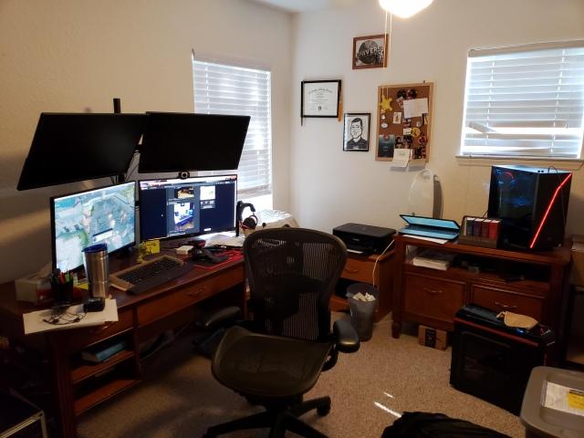 PC_Desk_159_05.jpg