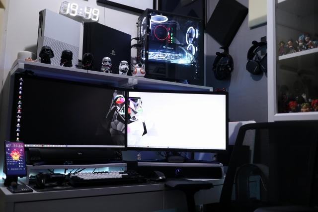 PC_Desk_159_10.jpg