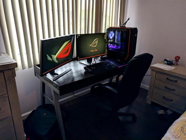 PC_Desk_159_24.jpg
