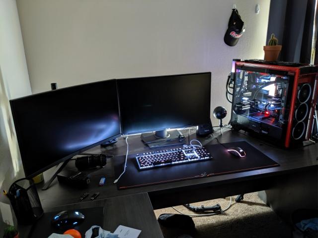 PC_Desk_159_26.jpg