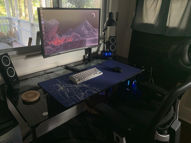 PC_Desk_159_37.jpg