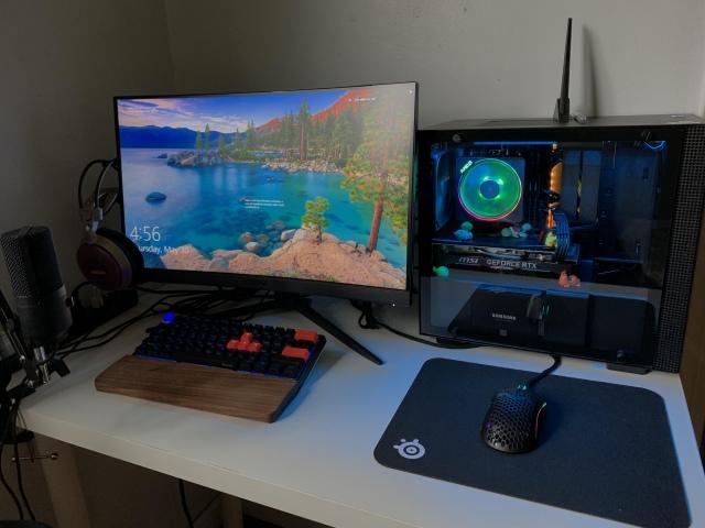 PC_Desk_159_47.jpg