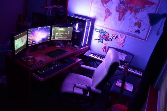 PC_Desk_159_87.jpg