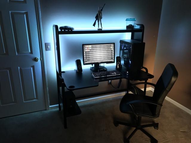 PC_Desk_159_97.jpg