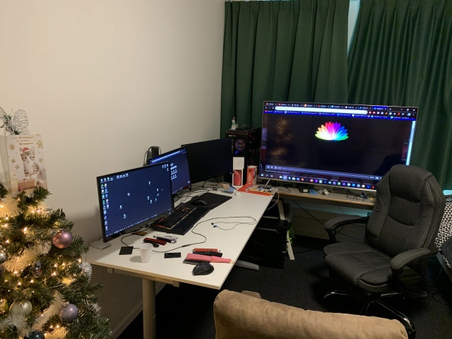 PC_Desk_160_10.jpg