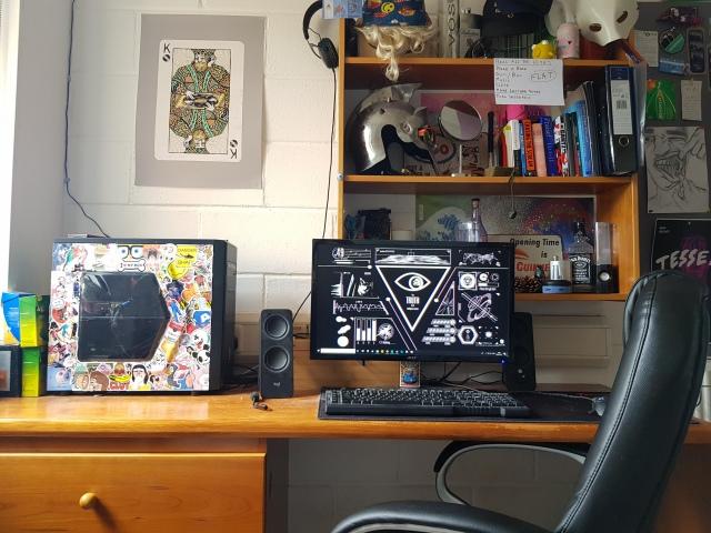 PC_Desk_160_18.jpg