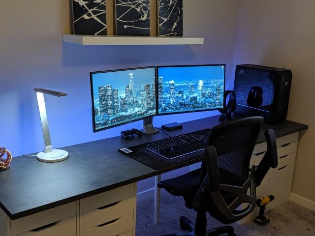 PC_Desk_160_24.jpg
