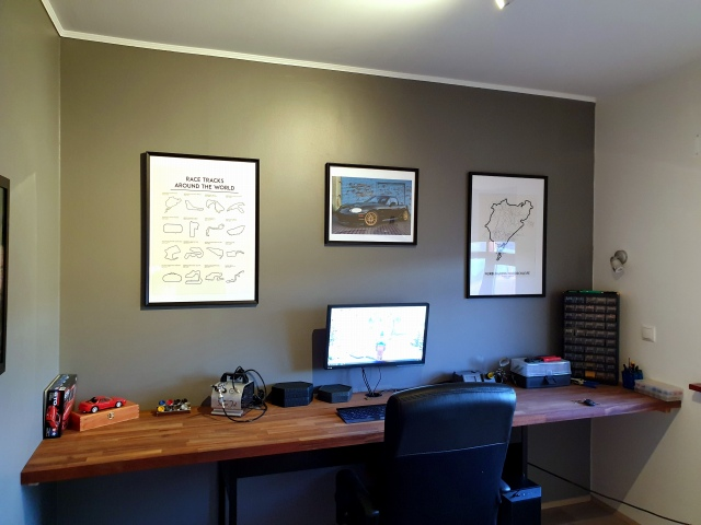 PC_Desk_160_27.jpg