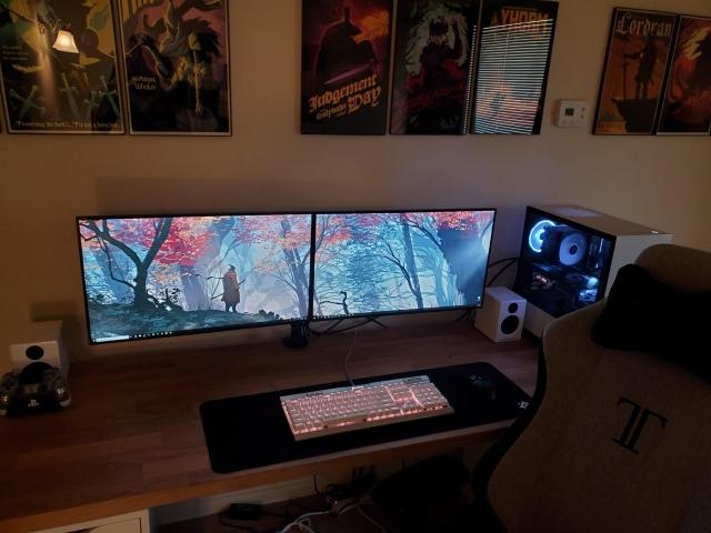PC_Desk_161_05.jpg