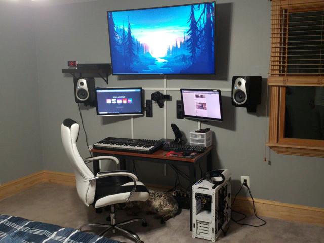PC_Desk_161_24.jpg