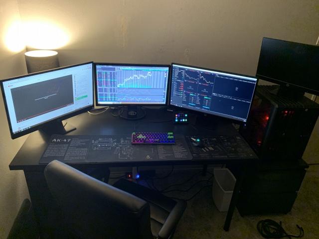 PC_Desk_161_26.jpg