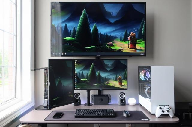 PC_Desk_161_44.jpg