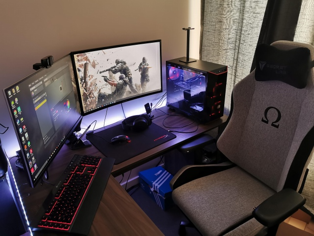 PC_Desk_161_65.jpg