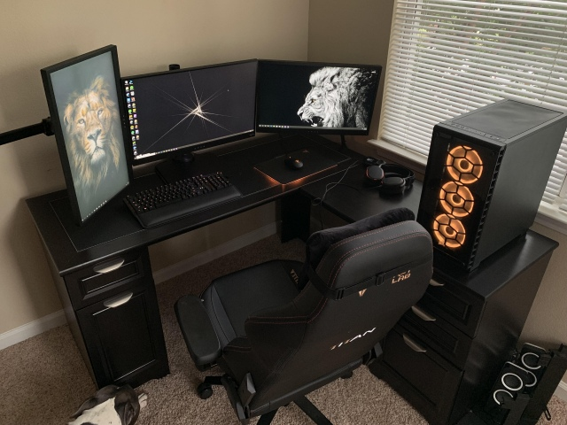 PC_Desk_161_66.jpg