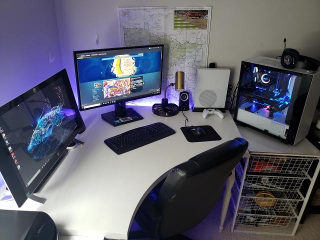 PC_Desk_161_70.jpg