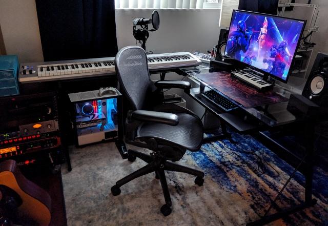 PC_Desk_162_01.jpg