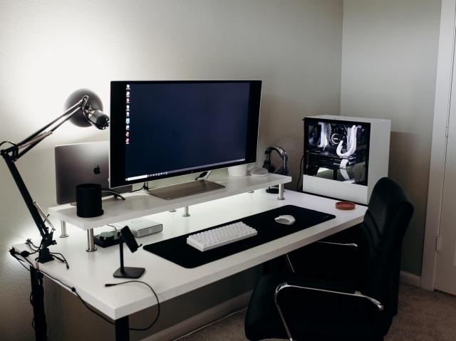 PC_Desk_162_33.jpg