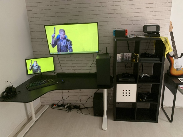 PC_Desk_162_54.jpg