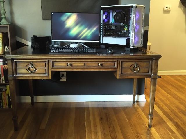 PC_Desk_162_81.jpg