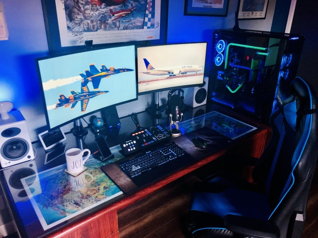 PC_Desk_163_10.jpg