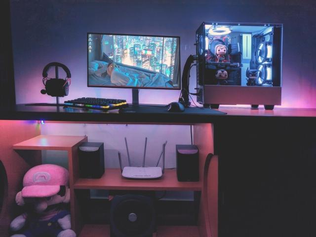 PC_Desk_163_18.jpg