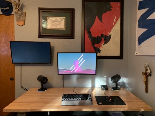 PC_Desk_163_22.jpg