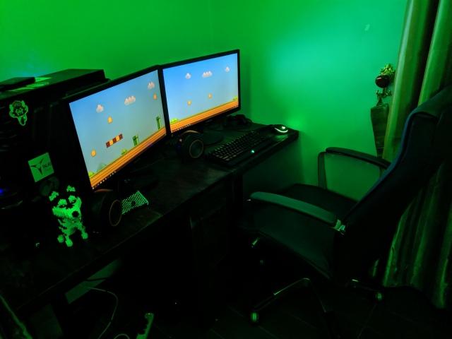 PC_Desk_163_26.jpg