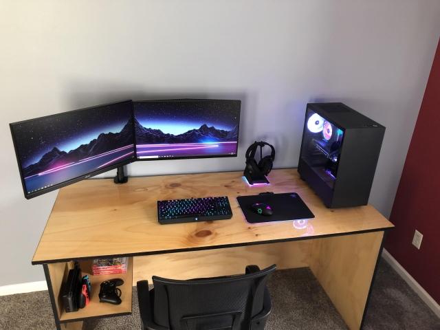 PC_Desk_163_28.jpg