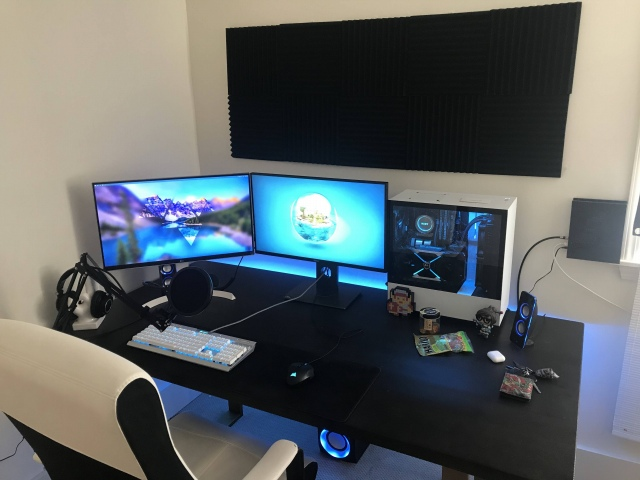 PC_Desk_163_29.jpg