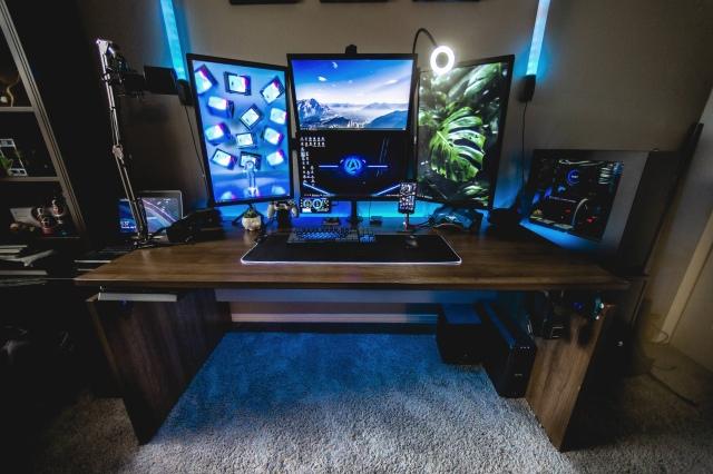 PC_Desk_163_57.jpg