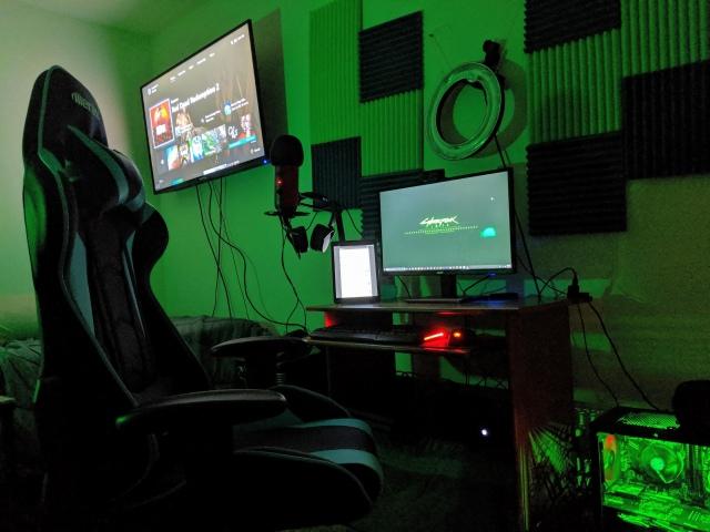 PC_Desk_163_77.jpg