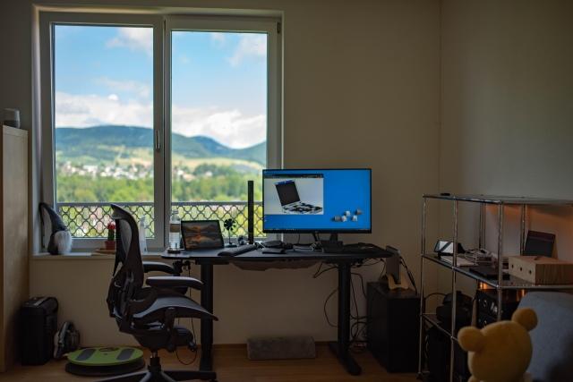 PC_Desk_163_81.jpg