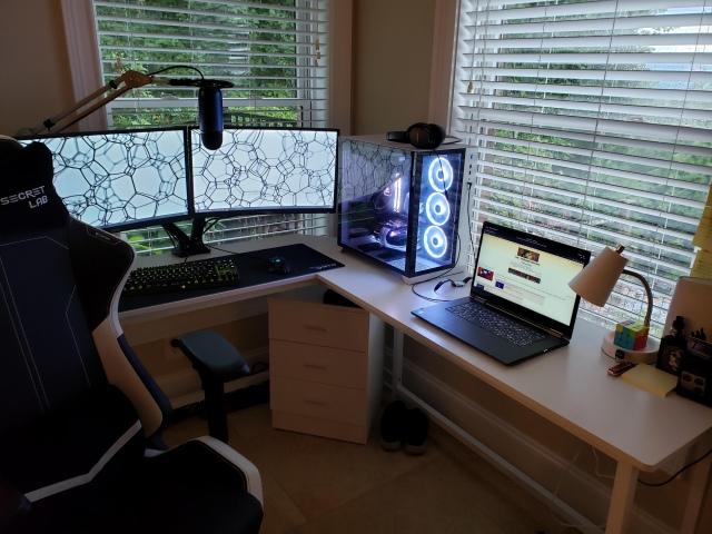 PC_Desk_163_85.jpg