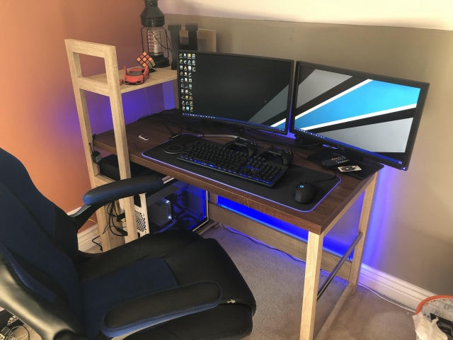 PC_Desk_163_87.jpg