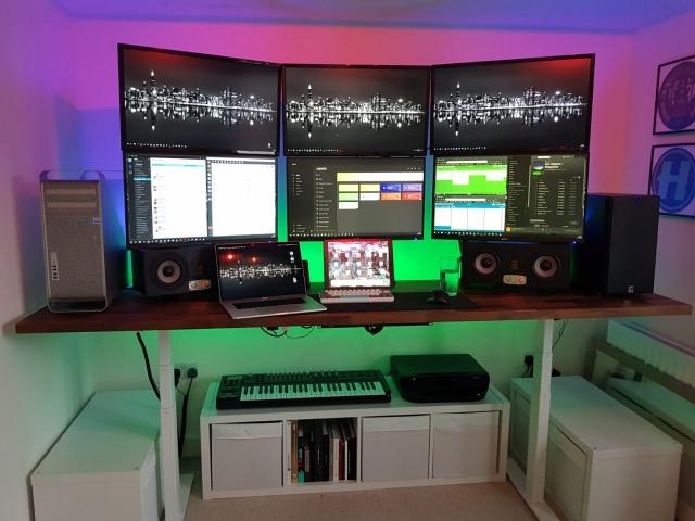 PC_Desk_163_96.jpg