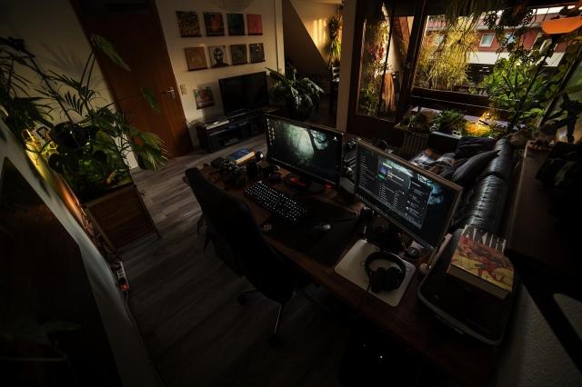 PC_Desk_164_20.jpg