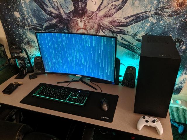 PC_Desk_164_33.jpg